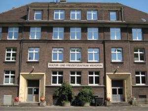 Schwingfenster ausgebaut durch Flügelfenster eingebaut