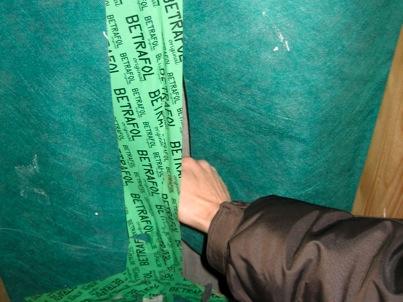 Unterspannbahn-repariert-beklebt-wordpress um Baumängel zu beseitigen